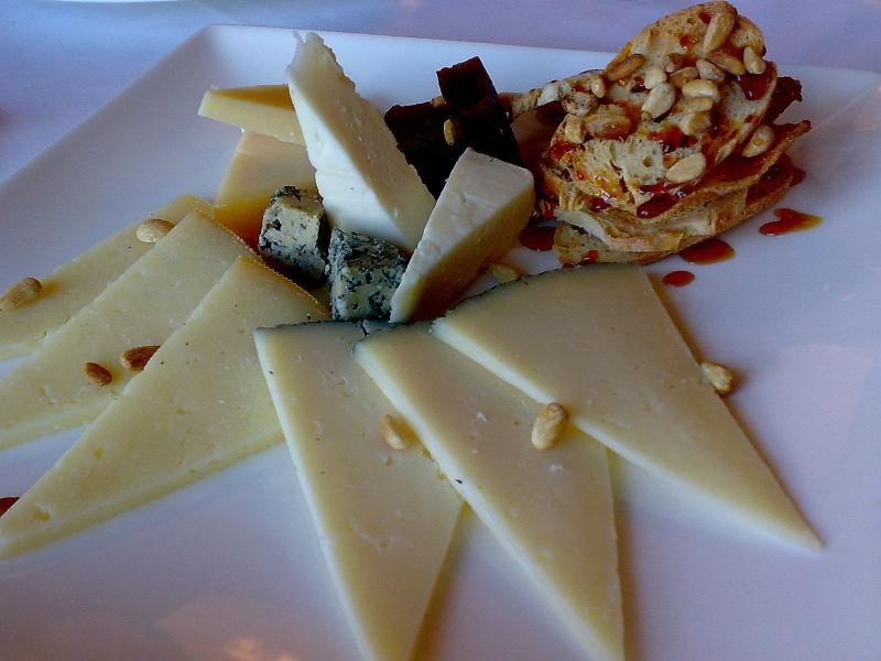 tabla quesos.jpg