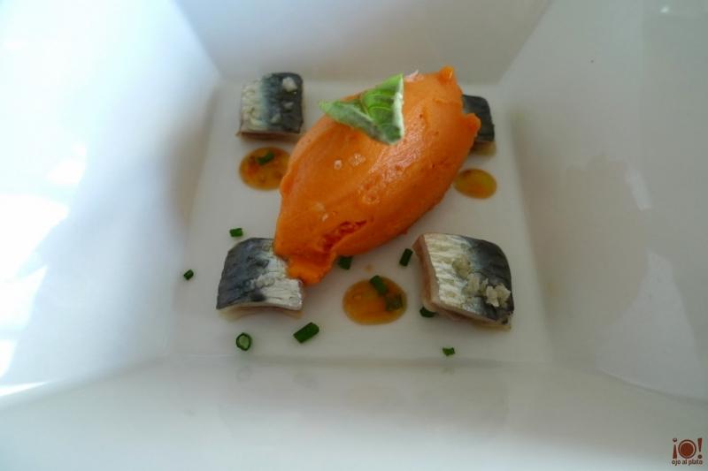 sardinas marinadas y sorbete de gazpacho