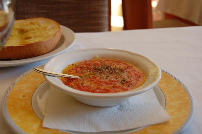 tomate con orégano para el pan